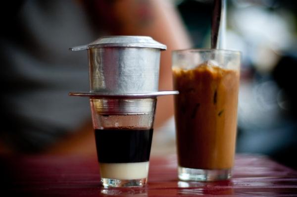 Cà phê nâu nóng( đá) 20k